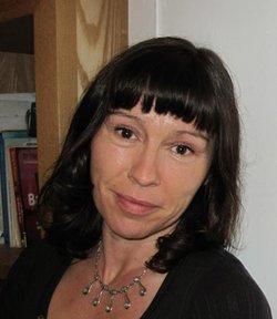 Dr Jeannine Woods
